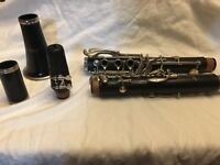 Selmer 1400 Bb Clarinet in excellent condition carrying case included