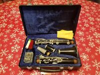 BUFFET CRAMPON E11 CLARINET WITH CASE AND MOUTHPIECE