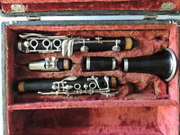 A. Fontaine Couesnon Paris Wood Clarinet Ser. 7133 Nice Condition