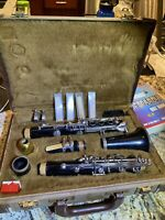 YAMAHA CLARINET YCL-24 BLACK PLASTIC IN HARD CASE s# 037334A
