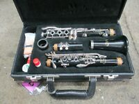 Excellent Vito #3 7212 Reso-tone Bb Clarinet Outfit, Why Rent? Made in USA!