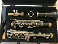 Vito Reso-Tone 3 Vintage Clarinet With Hard Case and Reed case