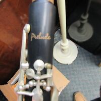 Conn-Selmer Prelude CL-711 Clarinet Outfit w/soft Case, Open Hole Advanced Horn