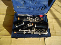 Selmer Bundy Student Clarinet with cleaning kit
