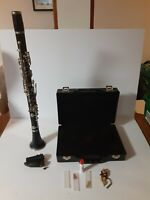 Artley 17-S Student Clarinet with hard case - needs new cork see description.