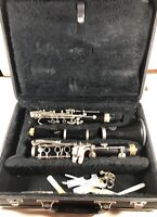 Prelude Clarinet  98461 Vito Made in U.S.A. With 4 Reeds