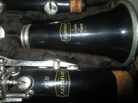 VINTAGE BUNDY 577- RESONITE CLARINET- # 730018 -THE SELMER COMPANY MADE IN USA -