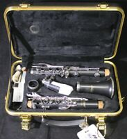 Selmer CL 301 Clarinet with case