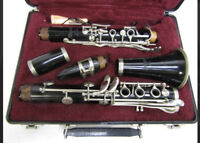 VINTAGE SELMER MODEL CL300 CLARINET WITH HARD CASE MADE IN USA SERIAL NO. 34325
