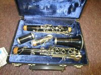 Bundy Resonite Student Bb clarinet with case and mouthpiece