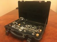 Bb Clarinet, Barely Used, Beginner, No Reeds, 2 lyres, Slightly Used Ligature