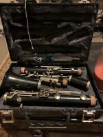 Bundy Resonite by The Selmer Company USA Clarinet Case Reeds Hard Case Extras