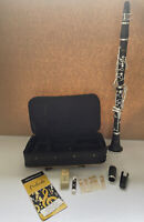 Conn-Selmer CL711 Prelude Student Clarinet w/ Back Pack Case and Reeds EXCELLENT