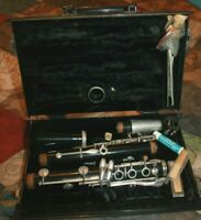 Vito Reso-Tone 3 Clarinet Instrument & Hard Case including reeds mouthpiece