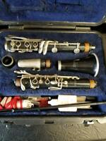CLARINET MUSICAL INSTRUMENTS SELMER 1400, #1552752; IN CASE (575-1)