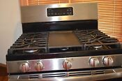 Ge 30 Gas Stove With Center Griddle Black And Stainless Used Barely For 1 Month