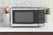 Microwave Oven Stainless Steel New Dorm Kitchen 0 7 Cu Ft Countertop 700 Watt