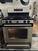 Ge 30 Inch 5 6 Cu Ft Self Cleaning Gas Range Oven