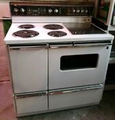 Vintage General Electric P7 Self Cleaning Electric Double Oven Range
