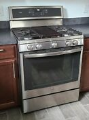 Ge Profile 30 Gas Range Stainless Condition Very Good Pgb911zejss