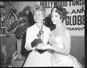 Doris Day Rare Original Vintage 4x5 B/w Negative Holding Golden Globe Award