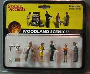 Woodland Scenics Figures O Scale A2740 Newsstand Train People Wds2740 New