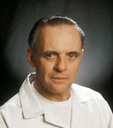 Anthony Hopkins Unsigned Photo - E1485 - Hannibal Lecter - Silence Of The Lambs