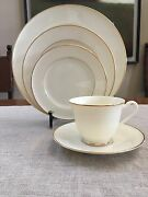 Mikasa Fine Ivory China Stanton Gold Lad10 5 Piece Place Setting For 12