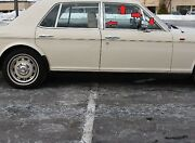 80 To 90 Rolls Royce Silver Spirit Right Front Door 1/4 Window Glass And Frame
