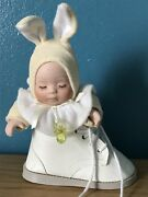 Gorgeous Automata Musical Moving Easter Baby In Leather Boot Doll Bunny Wind Up
