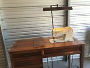 """Vintage Singer Futura Sewing Machine/wood Cabinet With """"dazor Floating Light"""