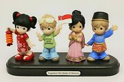 Precious Moments Singapore Thots Exclusive Together We Make A Nation, 189604 Le