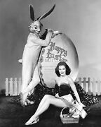 Actress Dorothy Hart Pin Up - 8x10 Easter Publicity Photo Rt531