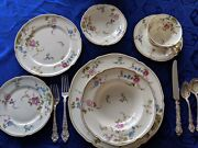 Sunnyvale By Castleton Service For 8 7 Piece Place Settings + Serving Pieces