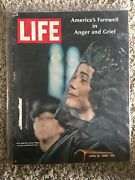 Life Magazine April 16, 1968 Mrs Martin Luther King At Funeral