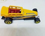 Hot Wheels Cfh25 Yellow Loose 2014 Mattel Malaysia Black Red Silver Car Toy