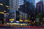 Enjoy The Splendors Of New York Cityand039s Holiday Decorations And Celebrations