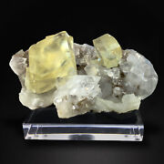 Calcite Crystals With Clear Apophyllite Jalgaon India Tuc001