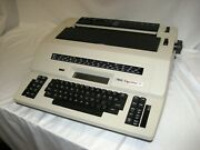 New Towa Executive 77 Electric Typewriter Daisywheel 13 Carriage 2 Line Lcd Cov