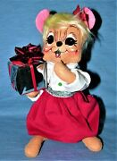 Vintage 2013 Annalee Doll Female Mouse And A Shiny Silver Package - 8 Tall