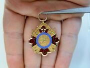 Knights Templar 10k Gold And Enamel Medal. Engraved And Dated Circa 1928.