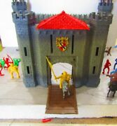 1960's Medieval Castle And Figures -made In Italy In Original Box
