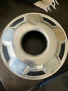 10.5 1978 Ford Hubcap Four Wheel Drive