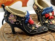Vintage Collectable Beautiful Pair Of Miniature Black Shoes Ornaments Figurines