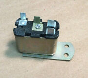 Nos 1966 1967 And Other Mercury Cougar Low Fuel Relay C6af-10a968-a