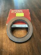 1958-1960 Chevy Chevrolet Front Wheel Seal 7107 A National 7107a New