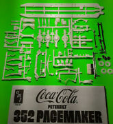 Peterbilt 352 Pacemaker Cabover 1/25 Frame Chassis Axle Rear End Suspension Part