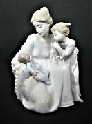 Lladro Figurine Figure Welcome To The Family 6939 Mother, Child, And Newborn Baby