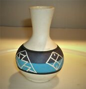 Vtg Sioux Native American Indian Pottery Vase By Marion Selwyn South Dakota 4t