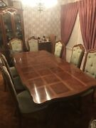 Vintage Thomasville Dining Room Table And Chairs